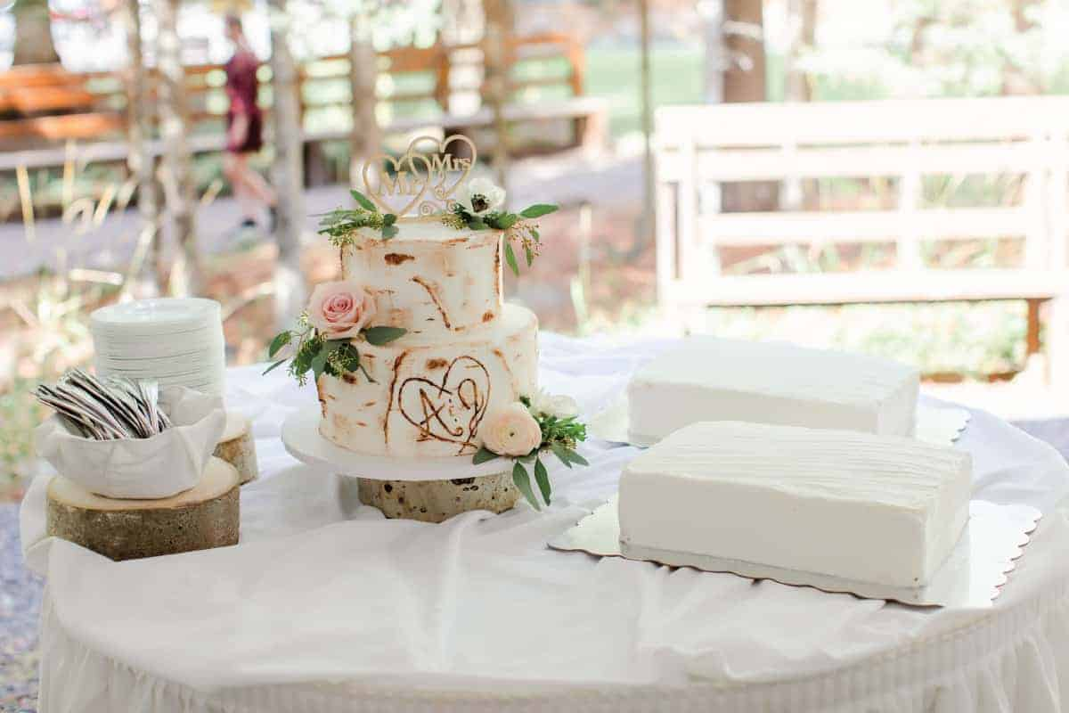 Amy and Josh Rustic Wedding Cake Table
