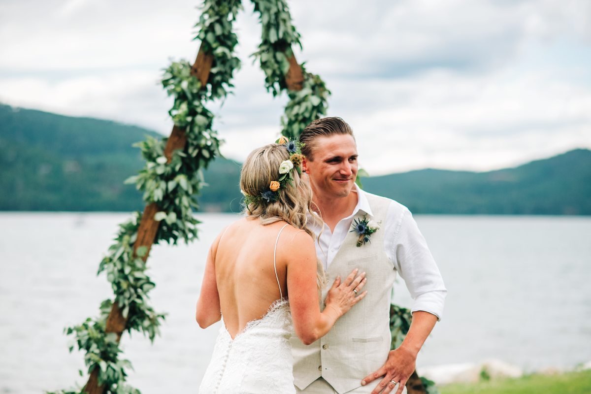 Brittany-and-Zach-Whitefish-Lake-Wedding-First-Look-Surprise-Reveal-Final